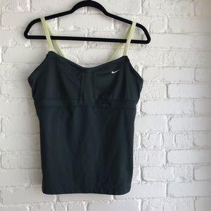Nike large athletic tank top large built in bra